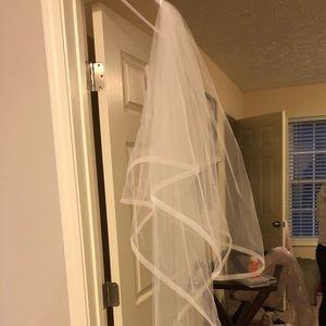 Emerson Veil Trends - Bridal Veil